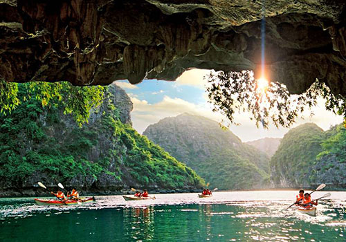 Kayaking in Halong Bay Tour and Cruise