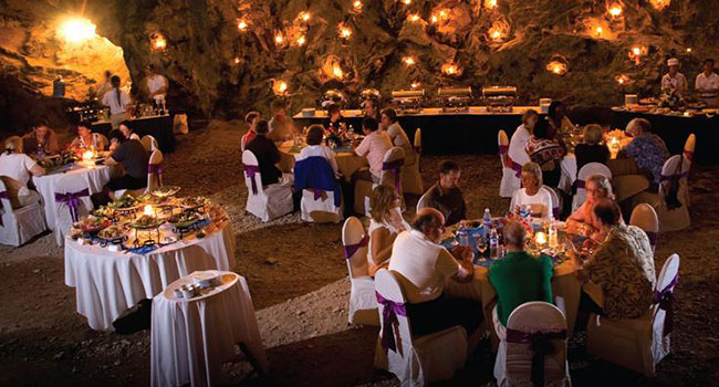 Dinner in cave Bhaya Cruise - Halong Bay Tour