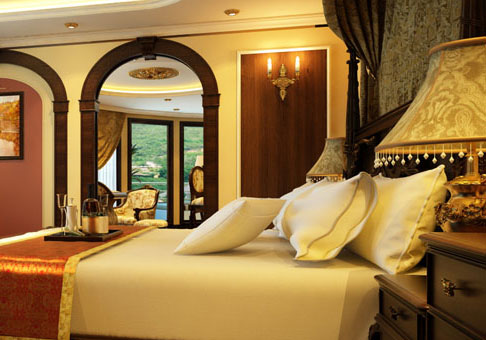 King Suite at Emperor Cruise - Halong Bay Tour